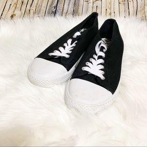 Airwalk black sneakers size 8.5